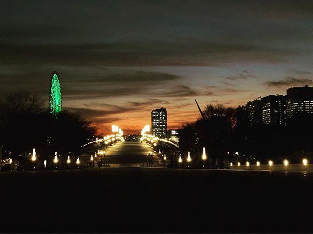 骨董ジャンボリー初日を無事に終えて、綺麗な夕焼け見てほっこりです。5時起きしたのでさすがに眠たい😴明日は10時から! (Instagram)