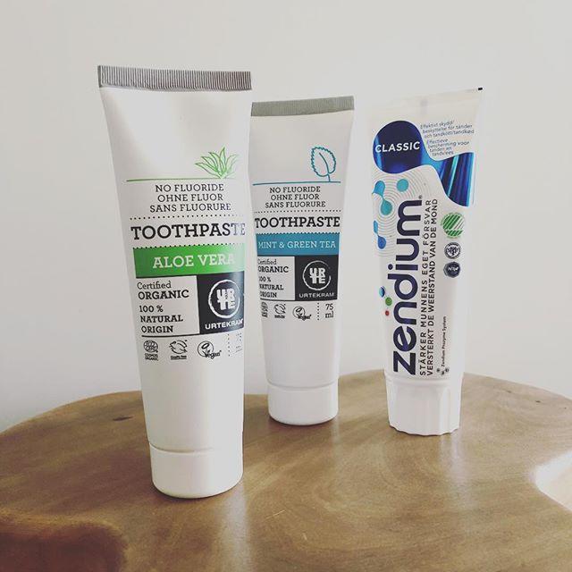 見た目可愛いから買ってみた歯磨き粉。とりあえず怖いからclassicから使ってみる。🏻 #北欧デザイン #パッケージデザイン  #ストックホルム #スウェーデンデザイン (Instagram)