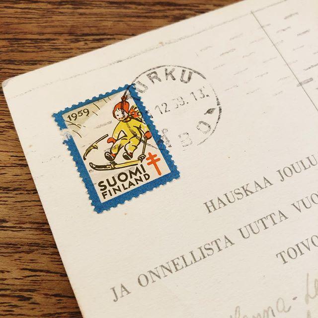 60年ほど前のフィンランドの葉書。切手可愛すぎ!普段から古い物に触れていると、1959年がすごく最近に思えて仕方がない件。#川西さんが生まれた年ではないか!#フィンランド #finland #finland🇫🇮